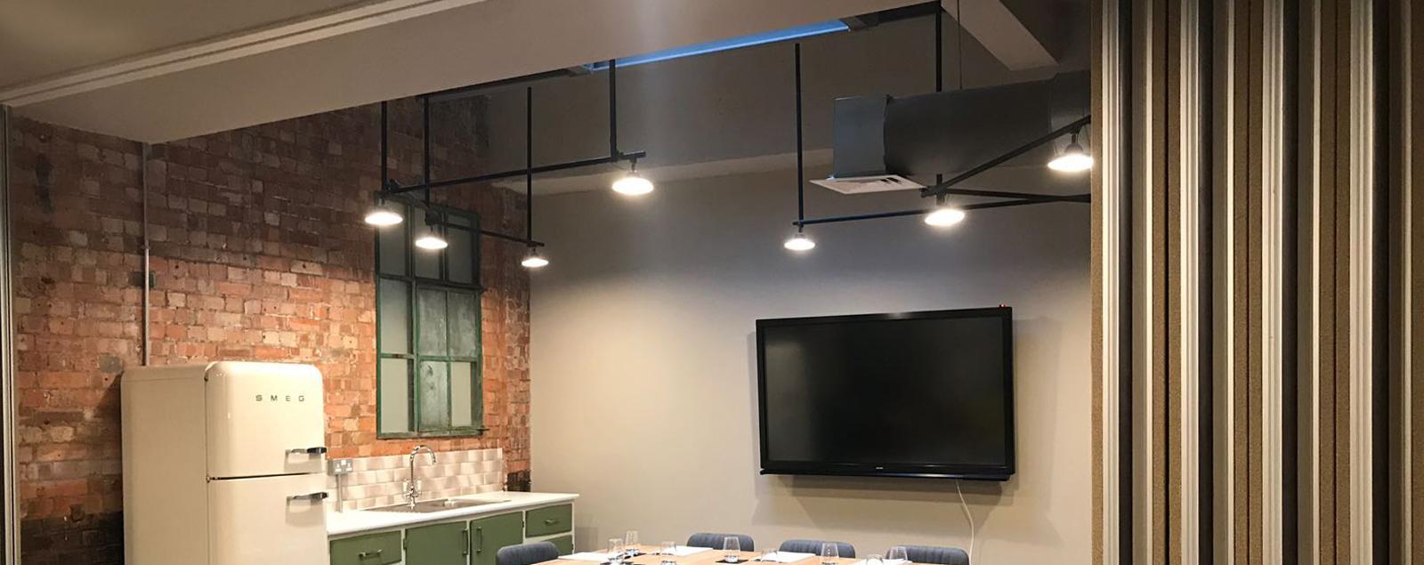 Illuminazione Da Soffitto Per Ufficio.Progetto Luci Abitazione Progetto Illuminazione Uffici Bar