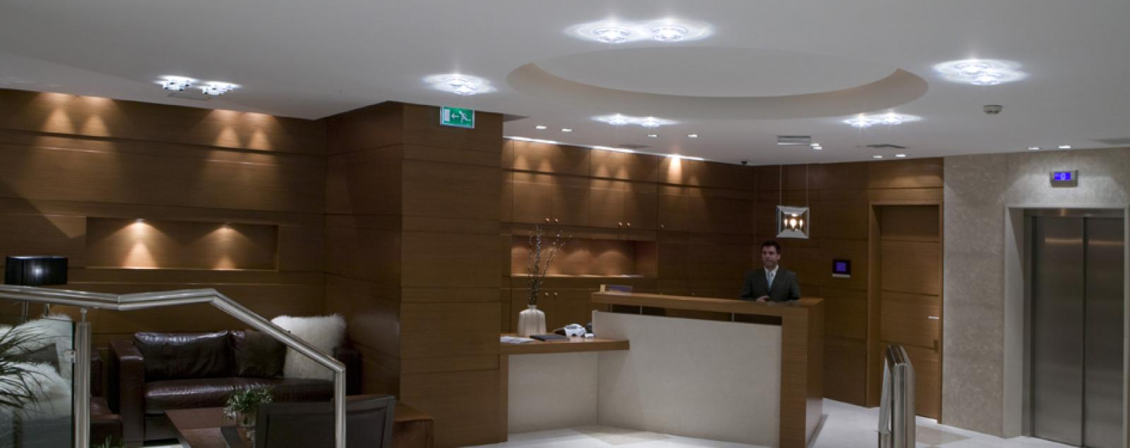 Lodge Foyer Lighting : Hotel foyer lighting lobby lamps fabbian